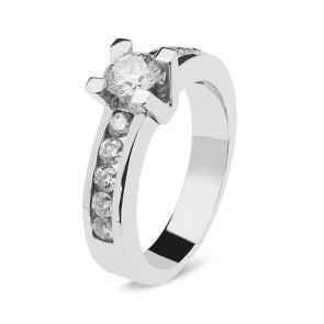Anillo de oro blanco con un diamante 0,40 + 0,36 total