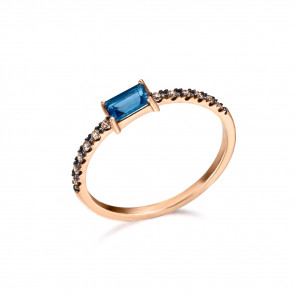 Anillo con Topacio London Blue y diamantes Brown, fabricado en Oro Rosa 18k